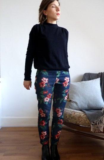 LE pantalon à fleurs