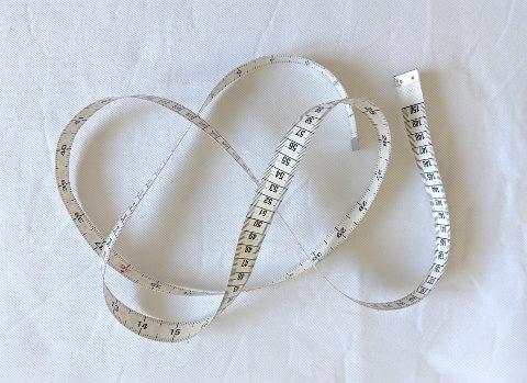 materiel-indispensable-couture-metre-ruban