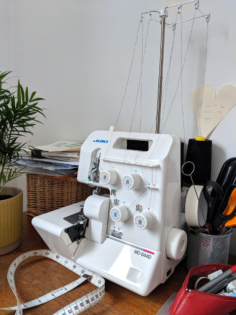 essential tools to start sewing overlocker