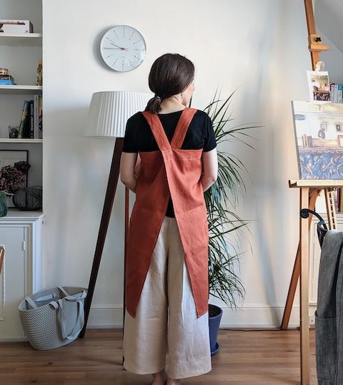 Cross back apron pattern for beginners